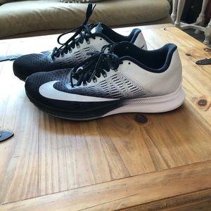 Nike Zoom Elite 9 running shoes
